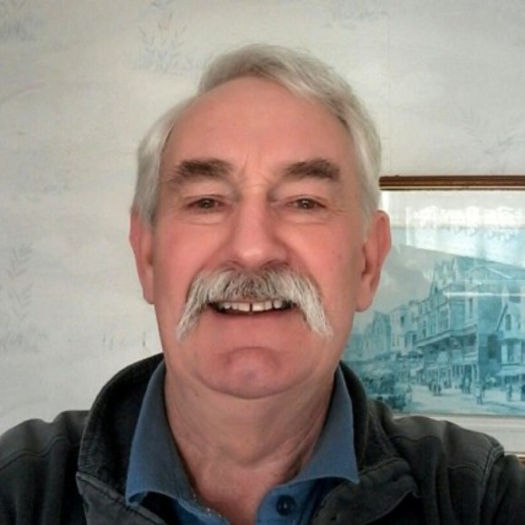 Profile picture of Tim Edwards
